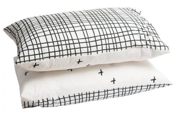 Grid Cross Pillowcase Set