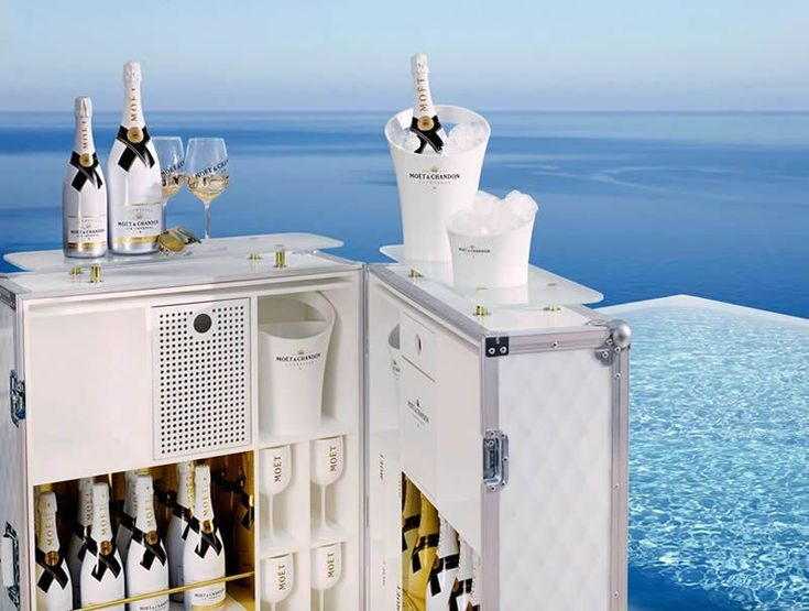 Poolside Champagne Bars Moët & Chandon Designed a Luxurious Mobile Champagne Bar