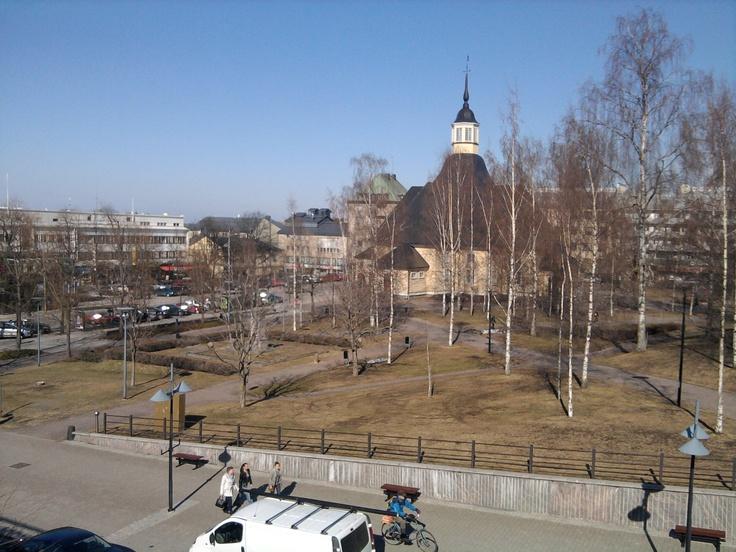 Lappeenranta 25.4.2012  Kuva otettu kauppakeskus Weeran katolta, jossa oltiin loikoilemassa isoveljen kanssa.