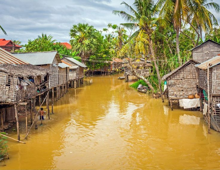 Typical House on the Tonle Sap Lake, Cambodia | 5 Reasons Why you should go to Cambodia Right Now