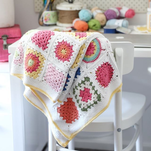 1000+ images about Almofadas...tapetes...mantas e cortinas on ...