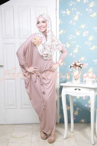 hijab  Stylish Muslimah Hijab fashion styles. Ladies. Women clothing category