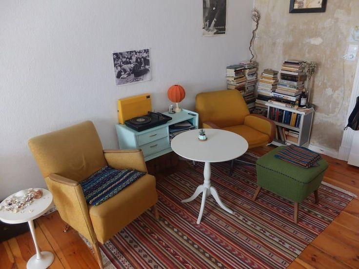 kleines wohnzimmer in herbstfarben erhebung abbild und bebbdeabfadebc