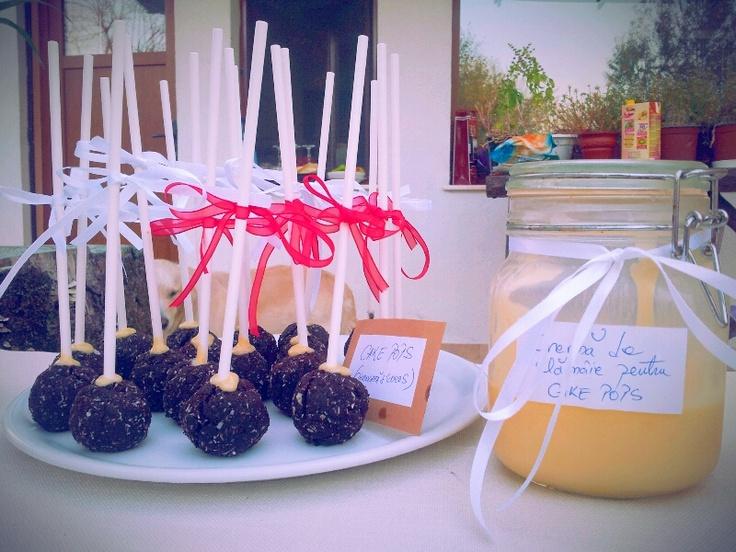 Cakepops& lemon curd