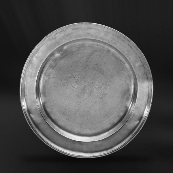 Pewter Plate - Diameter: 41 cm (16,1″) - Food Safe Product - #pewter #plate #dish #peltro #piatto #zinn #teller #zinnteller #étain #etain #assiette #plat #peltre #tinn #олово #оловянный #tableware #dinnerware #table #accessories #decor #design #bottega #peltro #GT #italian #handmade #made #italy #artisans #craftsmanship #craftsman #primitive
