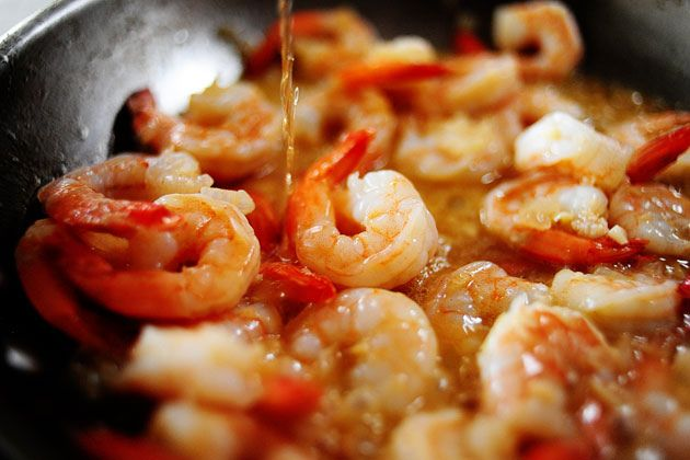 Pioneer Woman 16 Minute Shrimp Scampi.