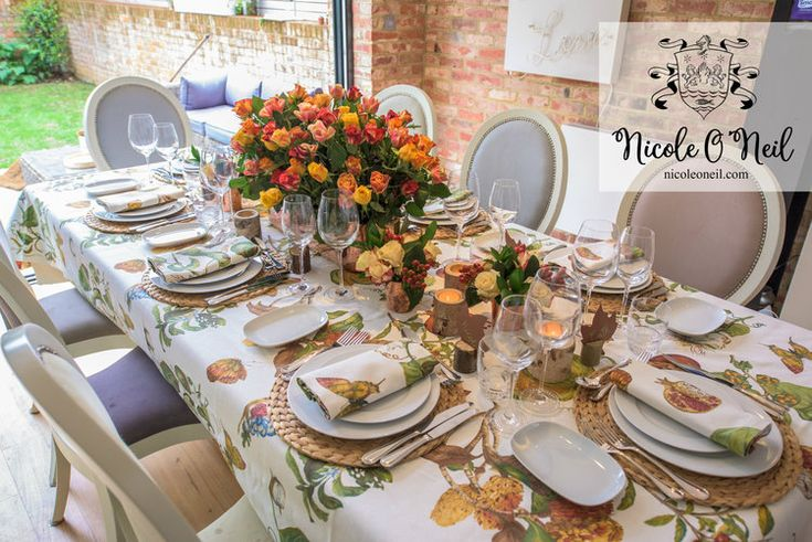Simple Rustic Autumn Table Setting Ideas for Dinner Parties and Wedding Reception Inspiration