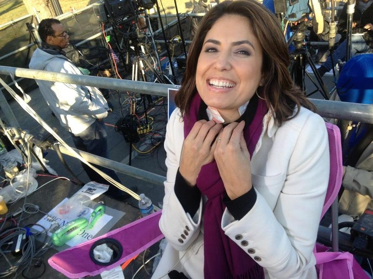 Cecilia Vega: How do reporters covering the inauguration stay warm? By stuffing hand warmers in their turtlenecks of course! Photos: Inauguration Day 2013 http://abcn.ws/Vg0S4a