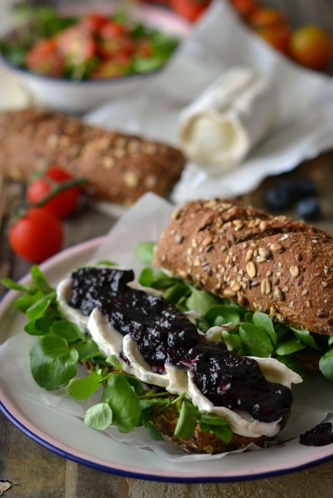 Sweet Gula: Sanduíches de Queijo de Cabra, Agrião e Mirtilos Caramelizados