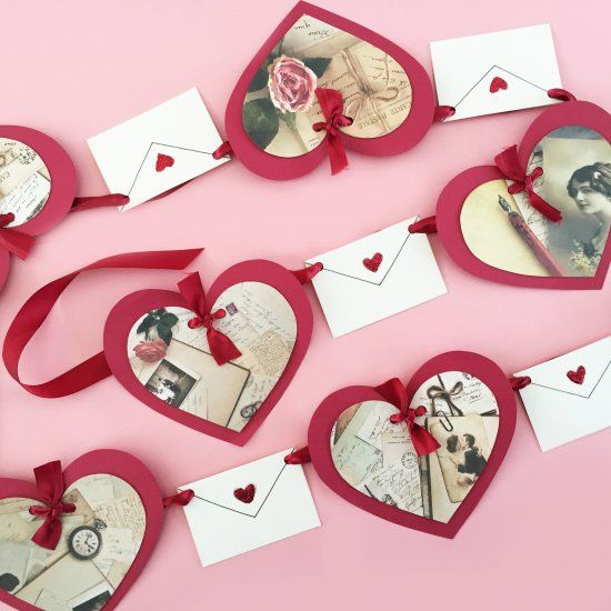 Create a Valentine's Day banner inspired by vintage love letters! Free pattern!