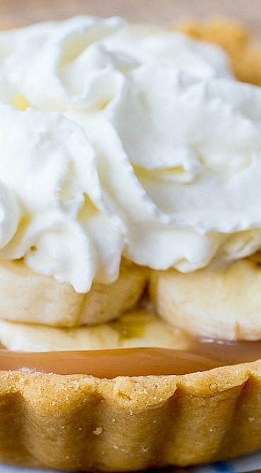Banoffee Pie ~ the ultimate banana & toffee dessert!