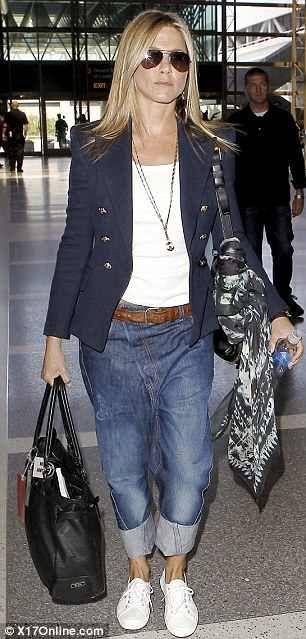 Celeb Fashion Style: Jennifer Aniston | Romantique and Rebel