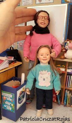 Patricia Cruzat Artesania y Color: Profesora y alumna en Sala de Clases, con miniaturas