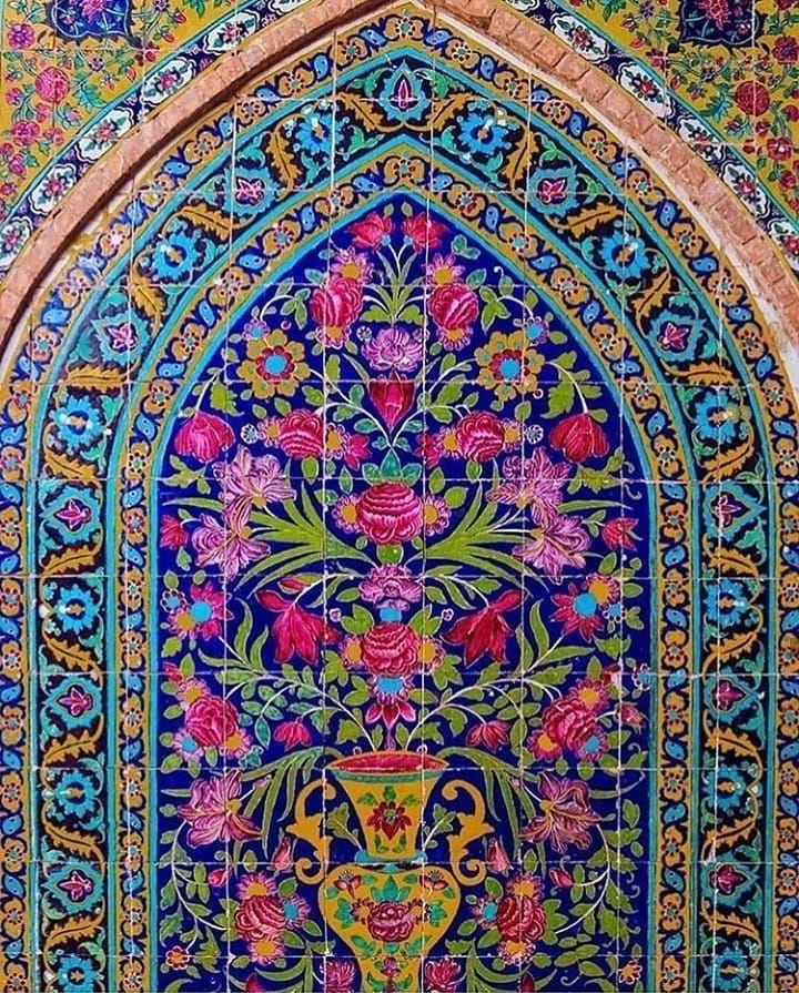 Bazme Honar Shared A Photo On Instagram در اوایل دوره ی اسلامی به خصوص تا قرن سوم ه ق صفحه آرایی نسخ خطی بسیار ساده و بدون نقش و ن Bohemian
