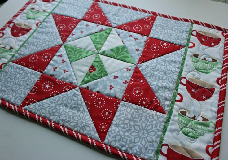 Quilt Patterns For Table Runners And Placemats : Table Runner and Placemats - FREEBIES FOR CRAFTERS For the Table Pinterest Runners ...