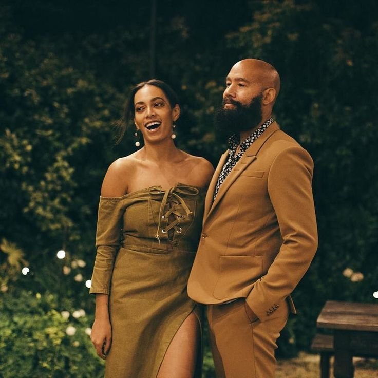 What's not to love about them? . #munaluchibride #Repost @essence Solange's #SXSW party was awesome obviously! in bio to get an exclusive peek inside! (: @gregnoire)