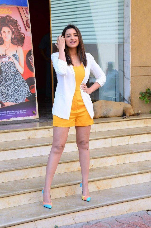 "Parineeti Chopra Super Sexy Legs Show In a Yellow Short Dress At Film "" Pyaari Bindu"" Trailer Launch Event in Mumbai"