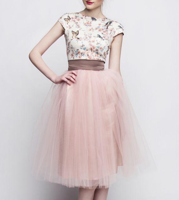 http://szyjemysukienki.pl/kategoria/sukienki/ptaszki-tiul