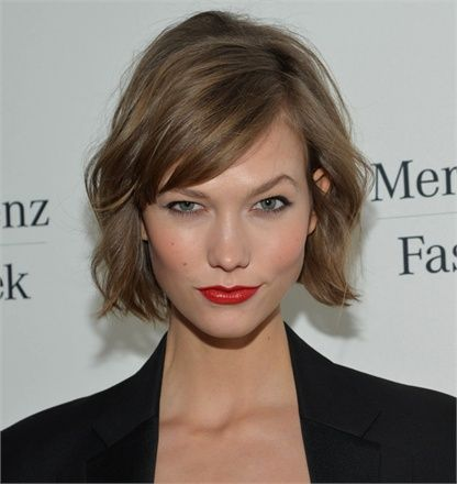 Haircuts, Hair Colors, Shorts Hair, Hair Cut, Shorts Bobs, Karlie Kloss, Brown Hair, Celebrities Hairstyles, Carboxylic Block