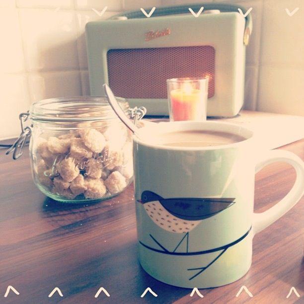 Roberts radio, Kilner jar + tea