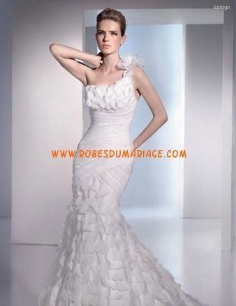 San Patrick boutique robe de mariée sirène asymétrique ornée de gradins organza