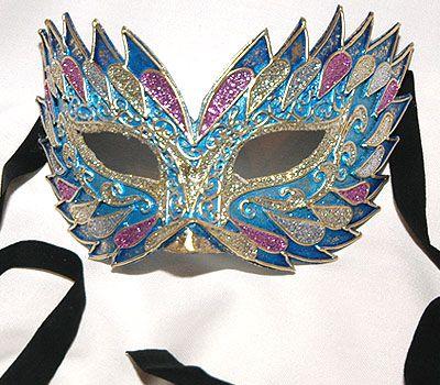 Flash Azzurro V20 Maschera realizzata interamente a mano, in cartapesta e decorata con colori acrili e glitter.