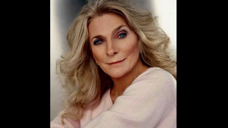 Send In The Clowns -- Judy Collins (in HD)  this song reminds me of my mom.. she would sing, send in the clouds..... :)