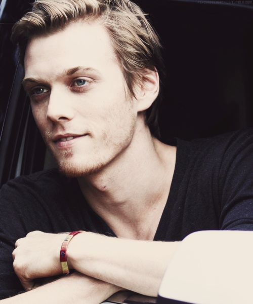 Jake Abel - saw him in The Host. Hot damn.