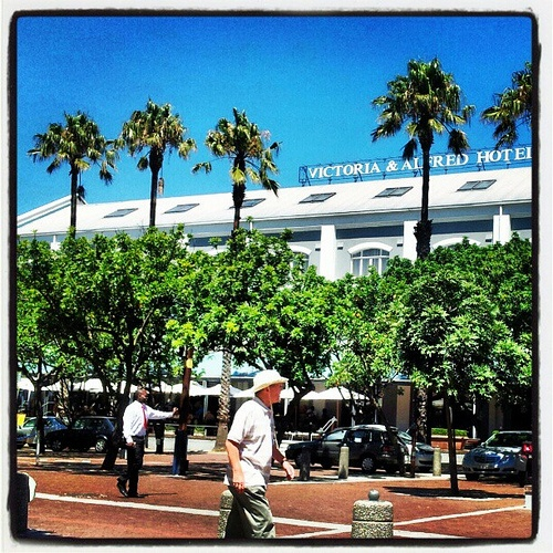 Victoria & Alfred Hotel @ the V & A Waterfront on a perfect day