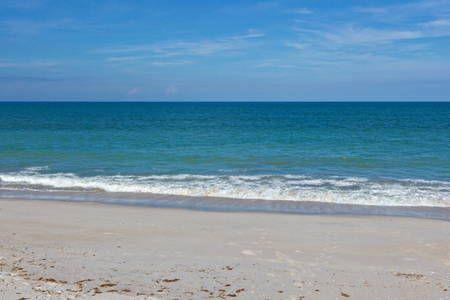 Regardez ce logement incroyable sur Airbnb : Steps to your own private beach - Appartements à louer à Vero Beach