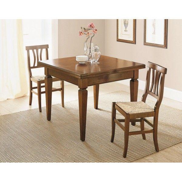 Tavolo quadrato allungabile a libro Altana in legno massello laccato noce. Una facile apertura per garantirti sempre posto a tavola ed eleganza.