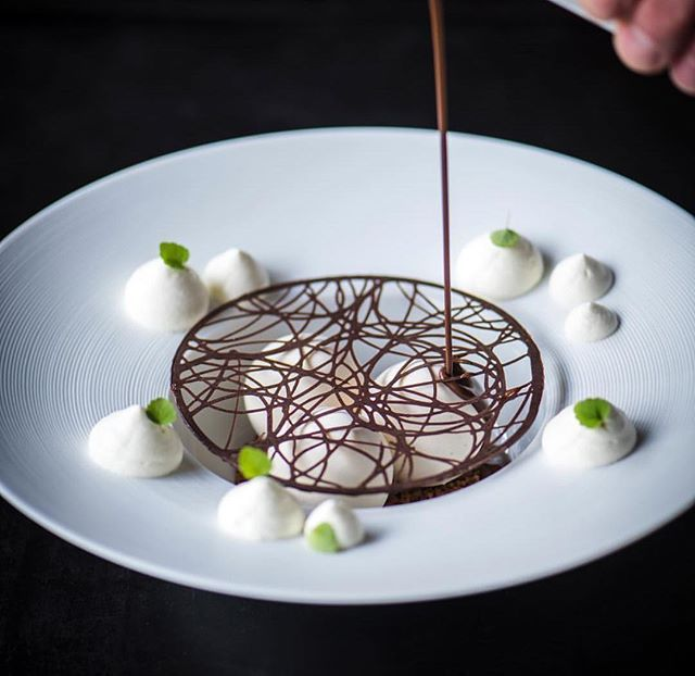   Dame Blanche 2.0 Vanilla ice, Cookie crumble crunch, Cream And Chocolate sauce   By Pastry-Chef @bart.ardijns 📷 by ??? Do you like fine dining? Follow ⤵️ •••••••••••••••••••••••••••••• 🌍Follow  @culinaireinspiratie 🔥Follow  @dutchcuisine🇱🇺 •••••••••••••••••••••••••••••• Tag culinaireinspiratie or dutchcuisine in your picture to be featured. Or use #culinaireinspiratie   #dutchcuisine🇱🇺 •••••••••••••••••••••••••••••• 📷All rights and credits reserved to the respective owner(s) .