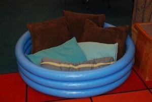 Reading Nook-$2 inflatable poolIdeas Inflatable Pools, Education Sensory, Diy Sensory Room, Reading Nooks, Diy Inflatable, Cozy Reading, Reading Classroom Nooks, Reading Center, Reading Spots