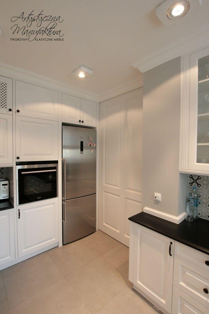 drzwi przesuwne klasyczne, sliding door in traditional kitchen