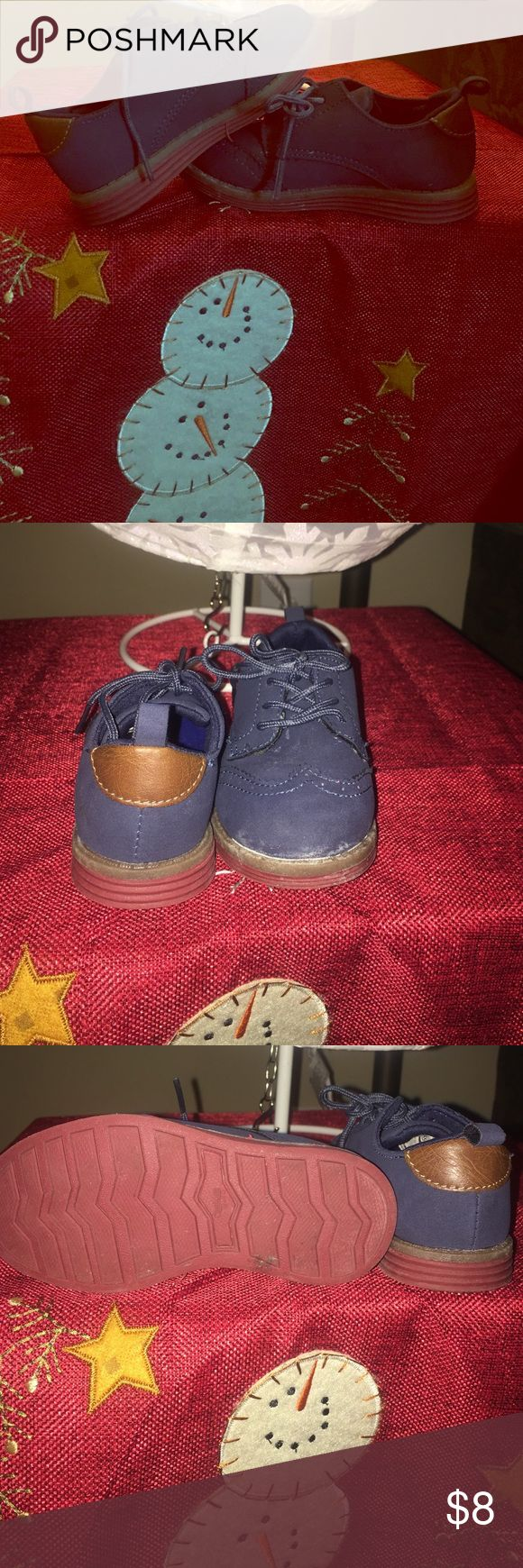Osh Kosh oxford size 7c navy Great holiday oxfords navy blue size 7c in good boys' used condition Osh Kosh Shoes Dress Shoes