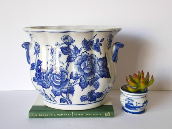 Large Ceramic Planter Blue and White by SouthernWaterlillies