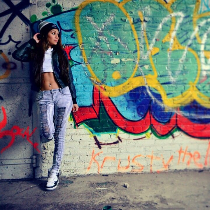 AP Skyline Photography. Model Session. Abandoned Building. Graffiti.
