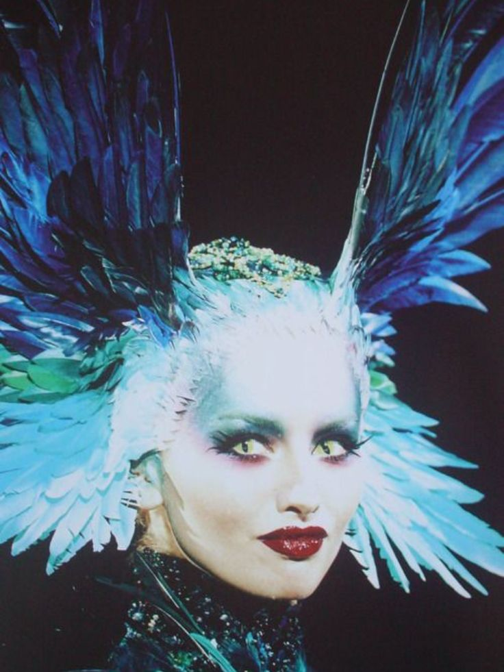 14 best thierry mugler 1997 images on pinterest thierry for Thierry mugler a travers le miroir