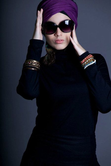 Shades and abaya. Love love love.