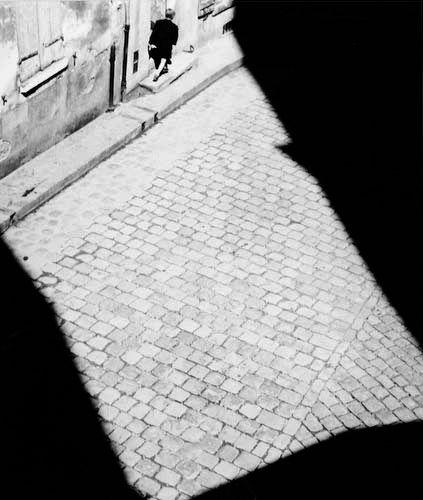 Mantes-la-Jolie, France © Lucien Hervé (1947) lucienherve.com