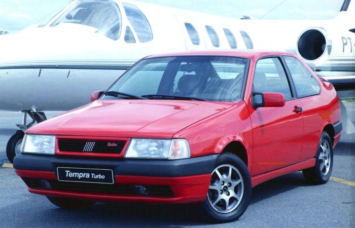 Fabricado entre 1991 e 1998, o Fiat Tempra é visado entre os modelos usados por ser confortável e ter acabamento acima da média. Uma das versões mais desejadas é a 2.0 Turbo (foto), mas encontrar uma unidade bem-cuidada é difícil   http://noticias.r7.com/carros/fotos/veja-20-carros-nacionais-do-passado-que-ainda-bombam-nas-ruas-de-hoje-20130315-4.html#fotos