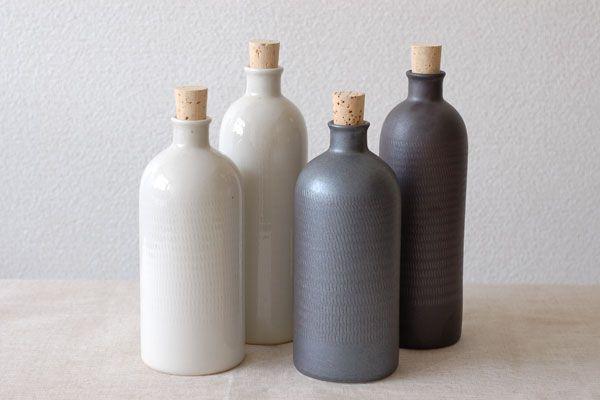 陶器のイオンボトル(魔法のボトル)の商品特集。器と雑貨のお店 monsen(モンセン)は白山陶器や野田琺瑯などを扱う、和食器を通販するネットショップです。