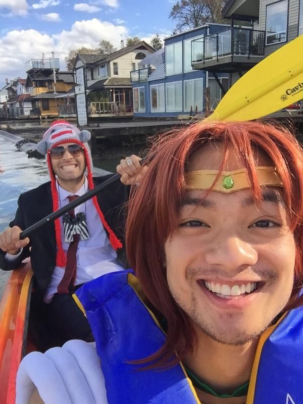 Meanwhile Misha and Osric. There comes a point in the supernatural fandom that we just stop questioning what they are doing and just roll with it.