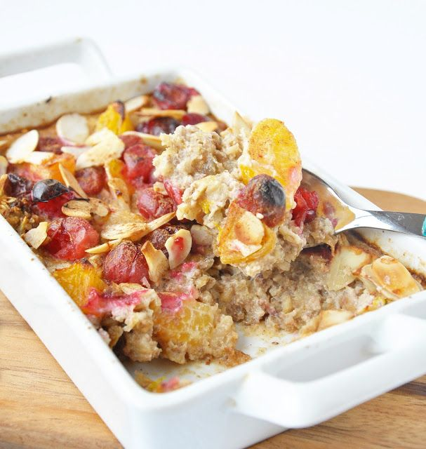 #Vegan Christmas Breakfast Baked Oatmeal with fresh fruit