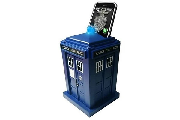 Tardis phone charger | Dr. Who and the Tardis | Pinterest