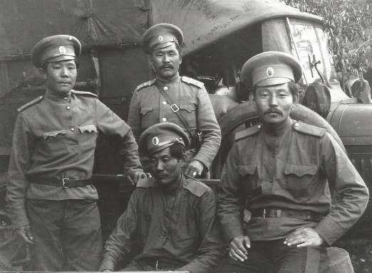 Казаки-калмыки Сальского округа Области Войска Донского в 1-ю мировую войну.