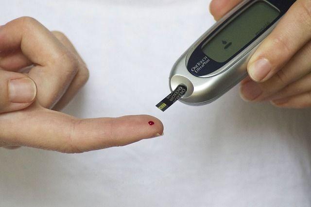 Diabete tipo 2. Si può guarire perdendo un grammo di grasso dal pancreas - tramite dieta o intervento di chirurgia bariatrica. Professor Roy Taylor team - Newcastle University UK.