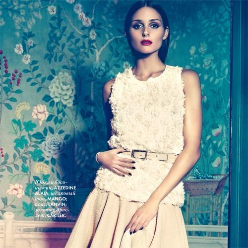 Olivia Palermo wearing a MANGO flowered blouse (ELLE)