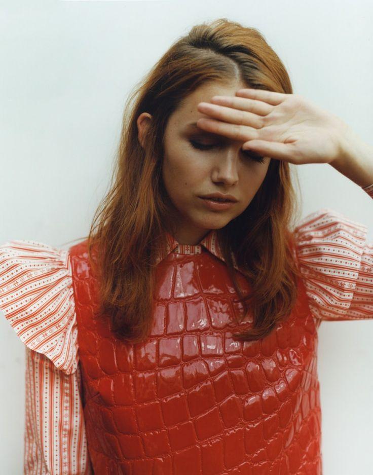 Kathryn Prescott nue Photos et Vidos de Kathryn Prescott