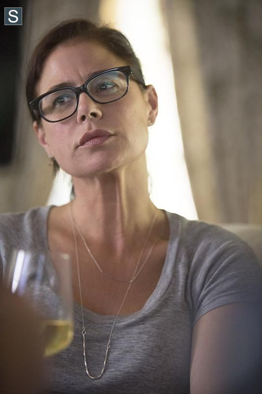 Episode 101 - Maura Tierney as Helen Solloway